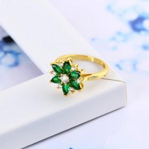 Apzeltīts-18K-gredzens puķes formā ar zāļiem cirkoniem. ATLAIDE 30% (cena ar atlaidi-4.83€)