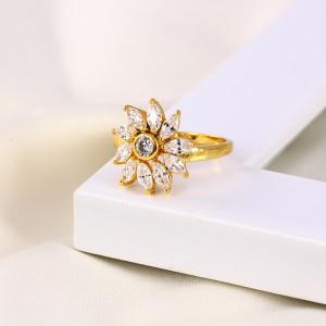 Apzeltīts gredzens ar cirkoniem. ATLAIDE 30% (cena ar atlaidi-4.83€)