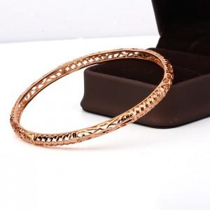 Rokassprādze ar rozā zelta pārklājumu, diametrs 6.5 cm. ATLAIDE 50% (cena ar atlaidi-5.45€)