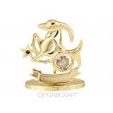 Zodiaka zīme MEŽĀZIS ar SWAROVSKI kristāliem, zelta pārklājums. Dāvanu iepakojumā. Izmērs 7*6*3 cm.