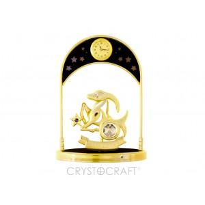 Pulksteņi ar zodiaka zīmi MEŽĀZIS, ar SWAROVSKI kristāliem, zelta pārklājums. Izmērs 10*4,5*14 cm.