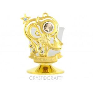 Svečturis ar zodiaka zīmi ŪDENSVĪRS, ar SWAROVSKI kristāliem, zelta pārklājums. Izmērs 8,5*8,5*6 cm.