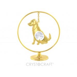 Apzeltīts Suns iekārts ķēdītē aplī, ar SWAROVSKI kristāliem, uz pamatnes, zelta pārklājums. Izmērs 5 х 7 cm.