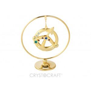 Zodiaka zīme STRĒLNIEKS iekārts ķedītē aplī ar SWAROVSKI kristāliem, uz pamatnes, zelta pārklājums, izmērs 7,1 x 8 cm.