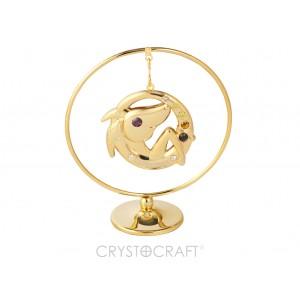 Zodiaka zīme MEŽĀZIS iekārts ķedītē aplī ar SWAROVSKI kristāliem, uz pamatnes, zelta pārklājums, izmērs 7,1 x 8 cm.
