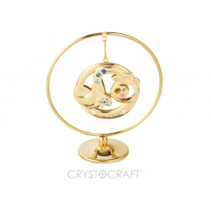 Zodiaka zīme ŪDENSVĪRS iekārts ķedītē aplī ar SWAROVSKI kristāliem, uz pamatnes, zelta pārklājums, izmērs 7,1 x 8 cm.