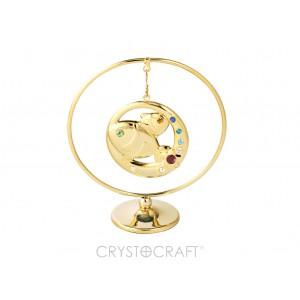 Zodiaka zīme ZIVIS  iekārts ķedītē aplī ar SWAROVSKI kristāliem, uz pamatnes, zelta pārklājums, izmērs 7,1 x 8 cm.