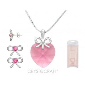 Kulons Swarovski sirsniņa rozā ar ķēdīti un auskariņi ar Swarovski kristāliņiem , dārgmetāla - rodiuma pārklājums , kas ir arī noturīgs un antialerģisks.